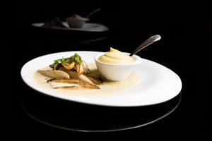 Filets de perches du Léman, beurre blanc au thé blanc, par L'Ôtrement